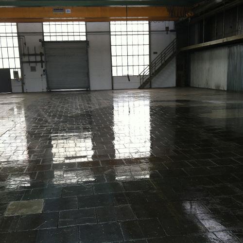Sanierung beschädigter Industrieeböden